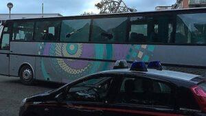 Calcio violento: sassaiola dei tifosi del Vieste contro il bus del Sannicandro